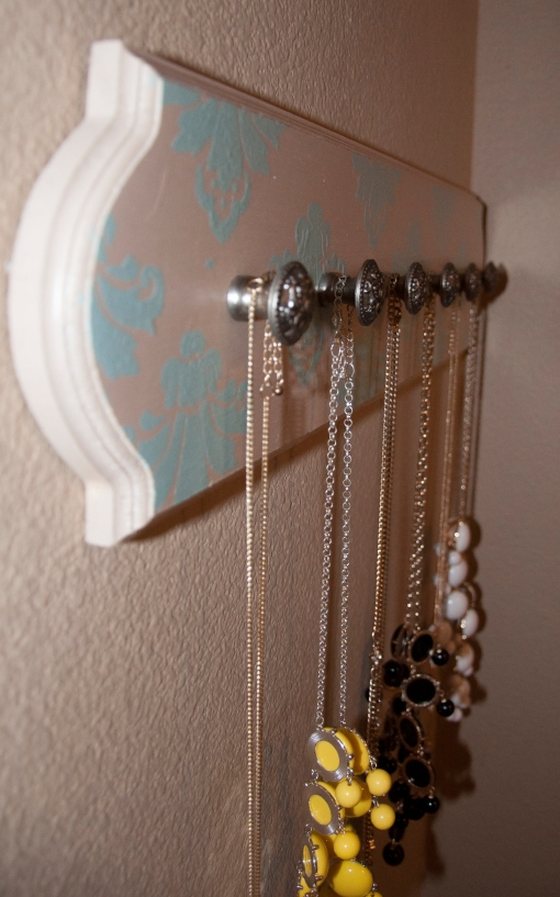 DIY Jewelery Holder
