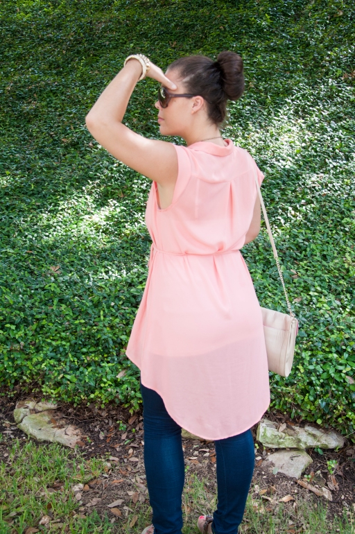 Peach top with skinnies