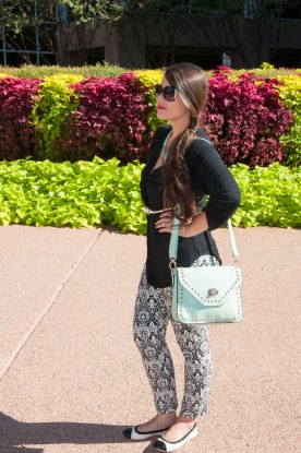 Black and white print pants with mint